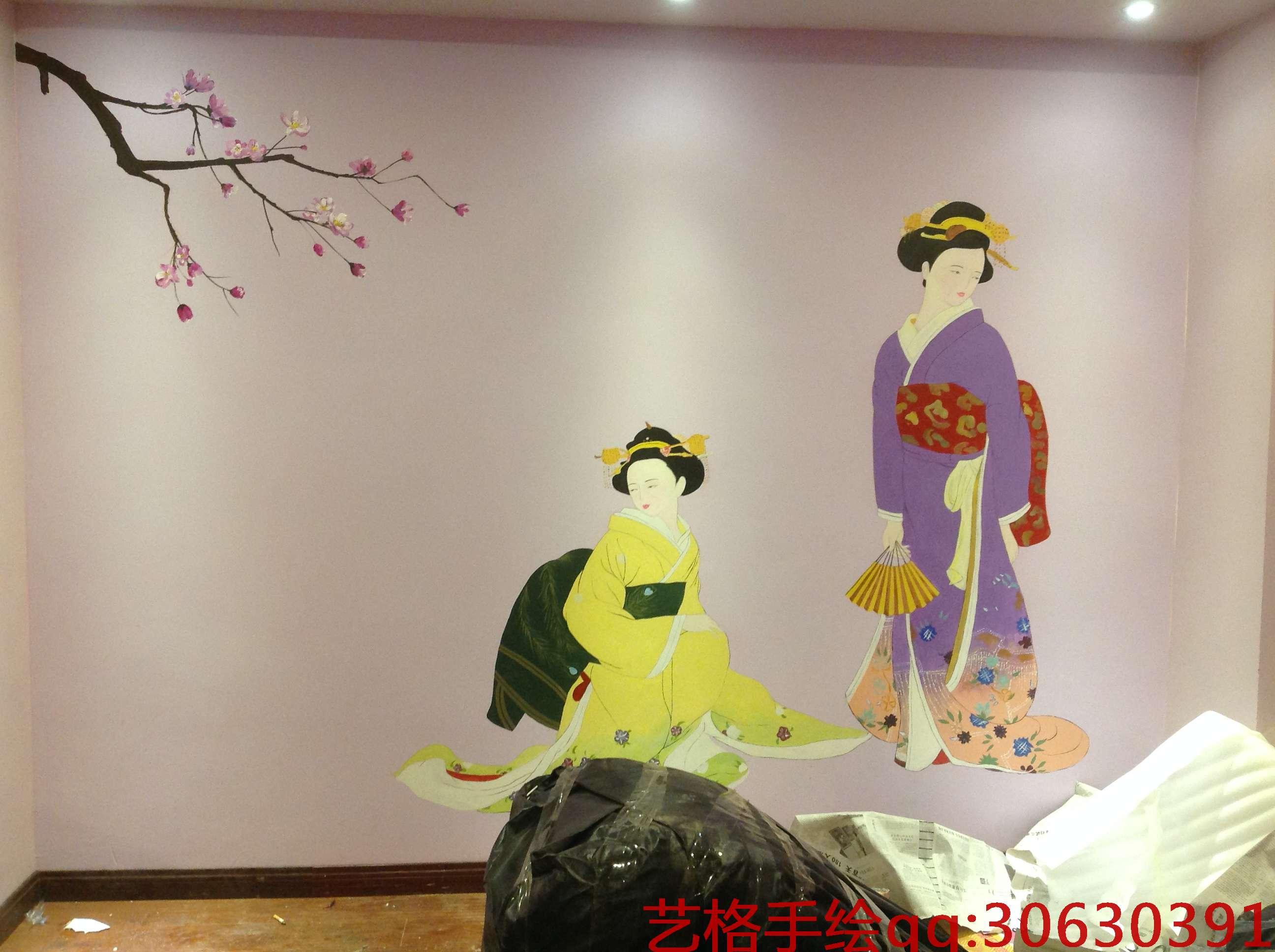 美女手绘墙